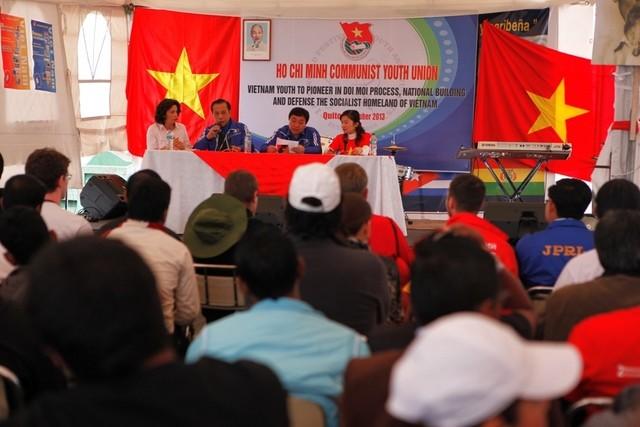 Вьетнам принимает участие в 18-м всемирном фестивале молодёжи и студентов - ảnh 2
