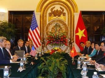 В Ханое прошли переговоры между госсекретарём США и вице-премьером СРВ - ảnh 1