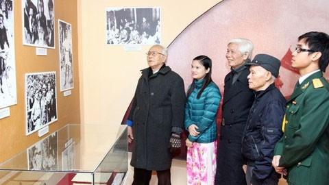 Открылась выставка, посвященная жизни и деятельности генерала армии Нгуен Чи Тханя - ảnh 1
