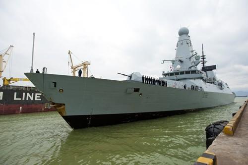 Завершился визит в морской порт Дананг представителей ВМС Великобритании - ảnh 1