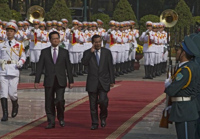 Неуклонное укрепление вьетнамо-камбоджийских отношений - ảnh 1