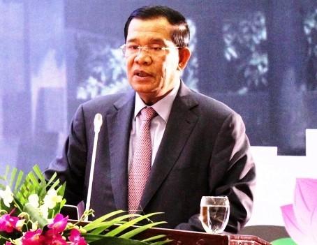 Премьер-министр Камбоджи продолжает официальный визит во Вьетнам - ảnh 2