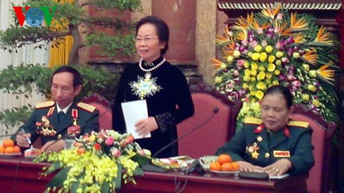 Вице-президент СРВ встретилась с представителями отряда женщин-шоферов тропы Чыонгшон - ảnh 1