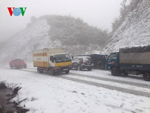 Снег прошел в городе Шапа - ảnh 1