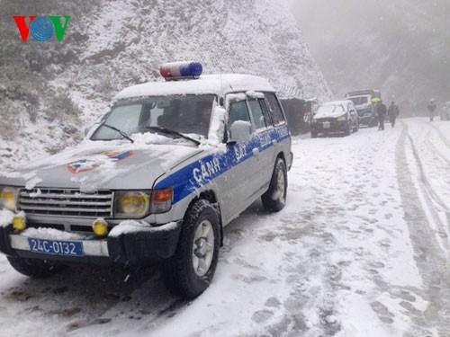 Снег прошел в городе Шапа - ảnh 6