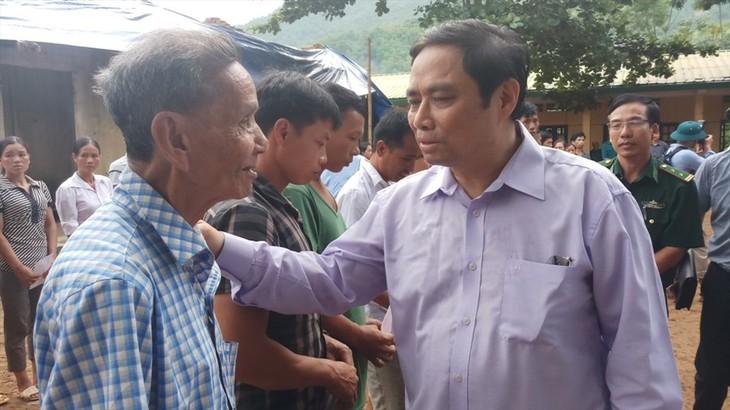 Заведующий Организационным делом ЦК КПВ навестил граждан, пострадавших во время паводков - ảnh 1