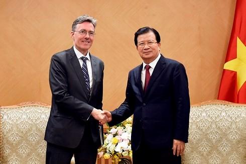 Чинь Динь Зунг принял вице-президента Азиатского банка инфраструктурных инвестиций  - ảnh 1