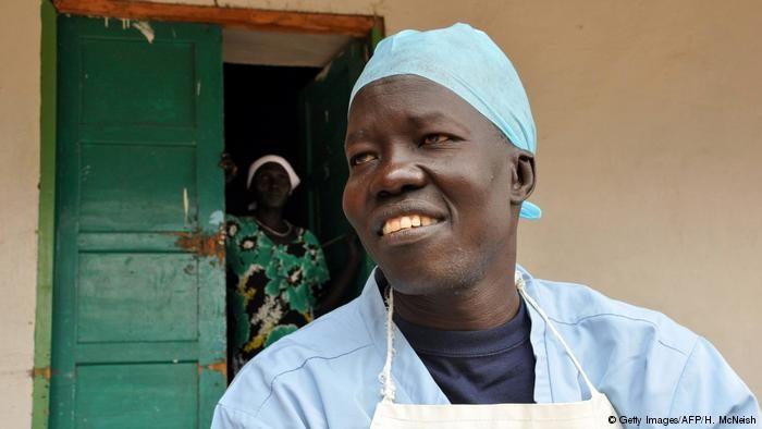 Премия Нансена по защите прав беженцев присуждена врачу из Южного Судана - ảnh 1