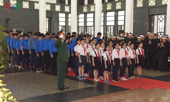 Церемония прощания с бывшим генсеком ЦК КПВ До Мыоем - ảnh 3