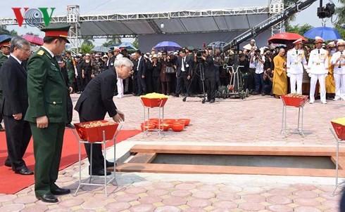 Состоялась торжественная панихида по бывшему генсеку ЦК КПВ До Мыою - ảnh 3