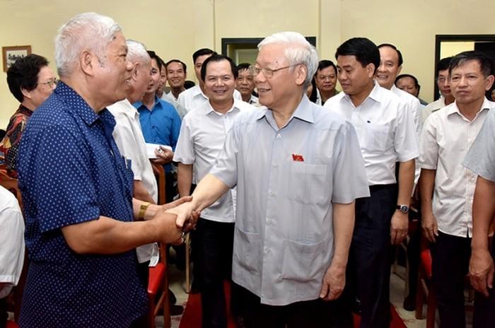 Глава Компартии Вьетнама встретился с ханойскими избирателями - ảnh 1