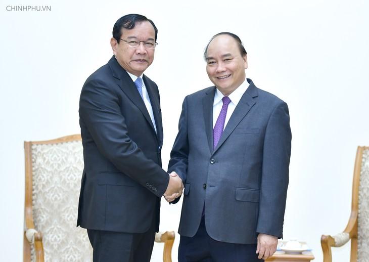 Укрепление добрососедских и дружеских отношений между Вьетнамом и Камбоджей - ảnh 1