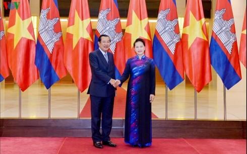 Премьер-министр Камбоджи успешно завершил официальный визит во Вьетнам  - ảnh 1