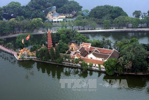 Западное озеро – интересное место в ценре Ханоя - ảnh 1