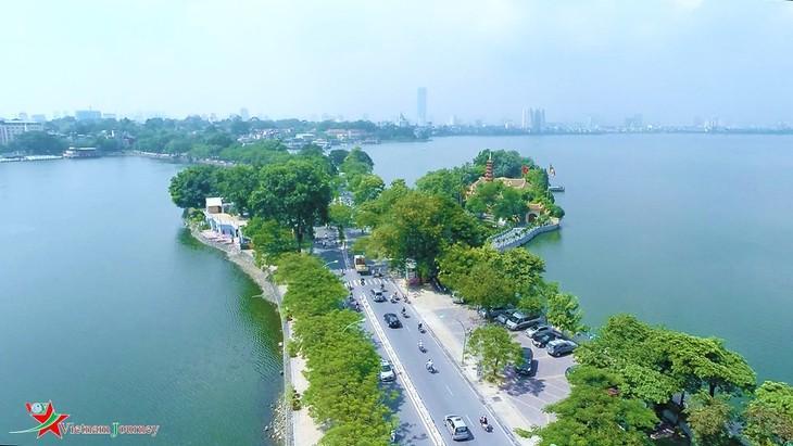 Западное озеро – интересное место в ценре Ханоя - ảnh 2