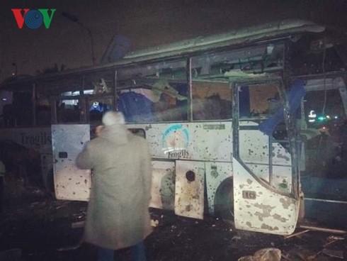 3 гражданина Вьетнама погибли при взрыве автобуса в Египте  - ảnh 1