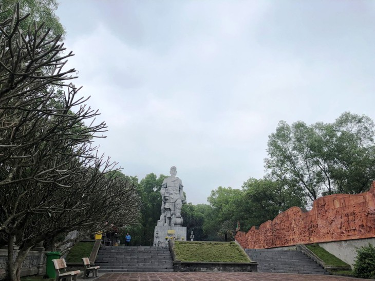 В храм Као на горе Анфу - ảnh 3