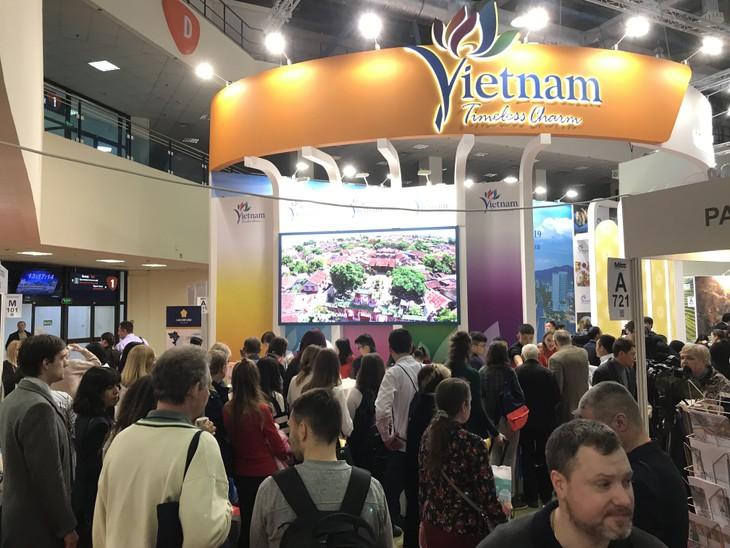 Вьетнамский стенд на Московской международной туристической выставке - ảnh 1