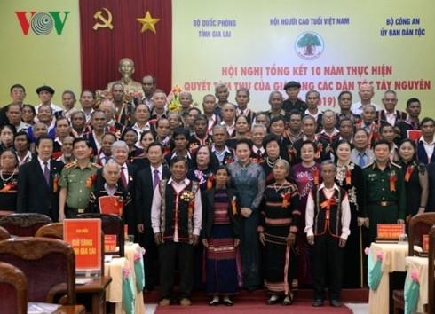 Спикер вьетнамского парламента: необходимо повысить роль и позиции старейшин среди нацменьшинств - ảnh 1