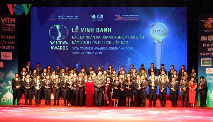 Отмечены лучшие турфирмы Вьетнама 2018 года  - ảnh 1
