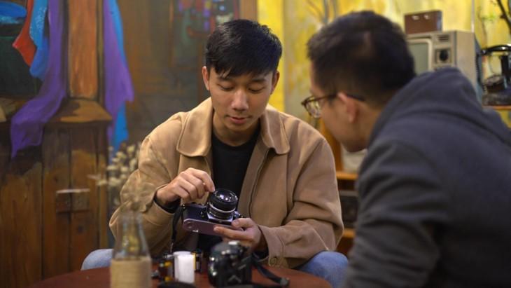 Плёночная фотография как хобби вьетнамской молодёжи - ảnh 7