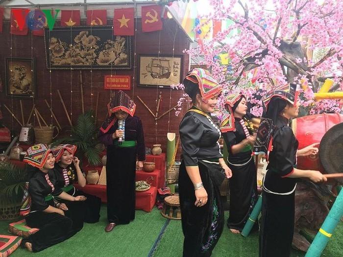 Значение платка «Пиеу» в жизни женщин народности Тхай - ảnh 1