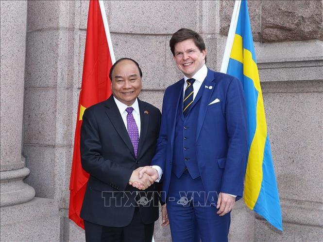 Премьер-министр Вьетнама встретился с председателем парламента Швеции - ảnh 1