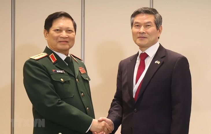 Деятельность министра обороны Нго Суан Литя на Диалоге Шангри-Ла 2019 - ảnh 1