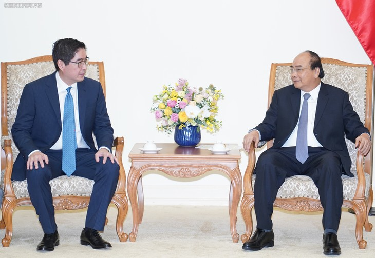 Премьер-министр Вьетнама принял президента крупного филиппинского холдинга - ảnh 1