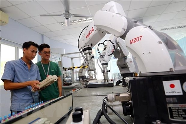 Сингапурские газеты: Вьетнам является примером государства успешного развития - ảnh 1