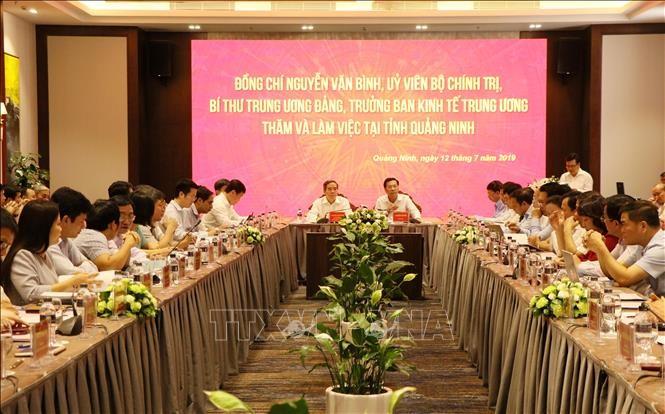 Заведующий Отделом ЦК КПВ по экономическим вопросам провёл рабочую встречу с руководством провинции Куангнинь - ảnh 1