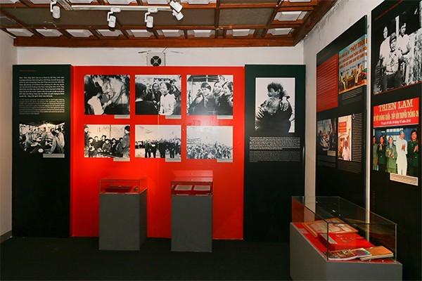 Выставка, посвящённая вьетнамским революционерам - ảnh 2