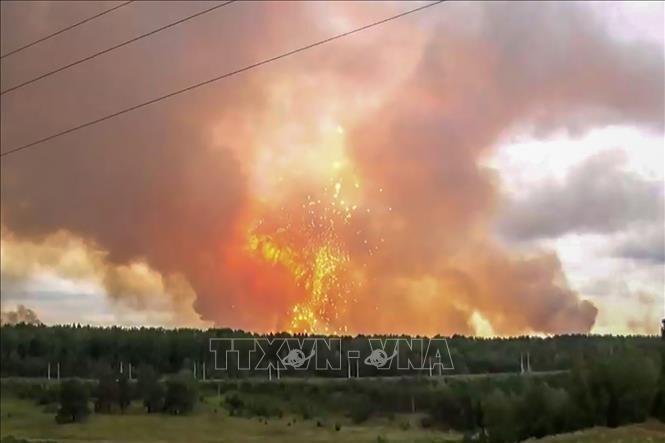 На складе под Ачинском вновь прогремели новые взрывы - ảnh 1