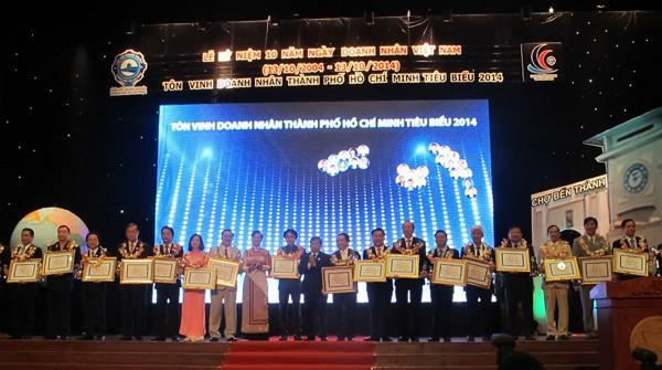 Doanh nhân Việt Nam đồng hành cùng sự phát triển đất nước - ảnh 2