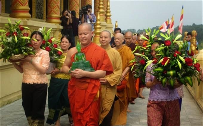 Chúc mừng Tết cổ truyền Chôl Chnăm Thmây năm 2016  - ảnh 1