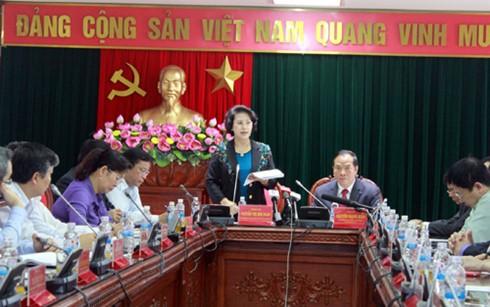Chủ tịch Quốc hội Nguyễn Thị Kim Ngân giám sát việc chuẩn bị bầu cử tại tỉnh Hải Dương - ảnh 1