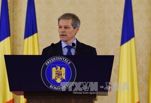 Thủ tướng Romania bắt đầu thăm chính thức Việt Nam  - ảnh 1
