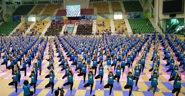 Việt Nam hưởng ứng ngày quốc tế Yoga 21/6 - ảnh 1