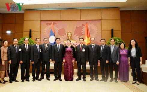 Chủ tịch Quốc hội Nguyễn Thị Kim Ngân tiếp Thủ tướng Lào Thongloun Sisoulith - ảnh 2