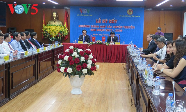 Đài TNVN ký kết hợp tác tuyên truyền với UBND tỉnh Long An - ảnh 1