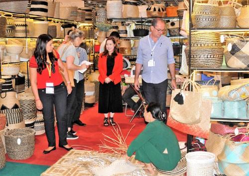 Doanh nghiệp Việt Nam tham gia Hội chợ tại Hongkong (Trung Quốc) và Canada - ảnh 1