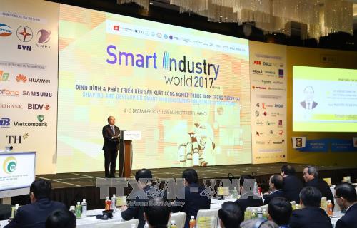 Thủ tướng: Cách mạng công nghiệp 4.0 - cơ hội thực hiện khát vọng phồn vinh của dân tộc - ảnh 1