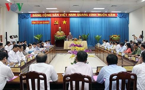 Tổng Bí thư Nguyễn Phú Trọng thăm, làm việc tại tỉnh An Giang - ảnh 1