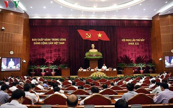 Ngày làm việc thứ tư Hội nghị lần thứ bảy Ban Chấp hành Trung ương Đảng khoá XII  - ảnh 1