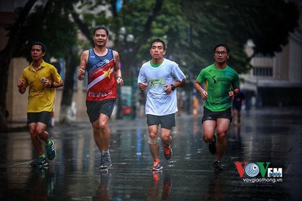 Hà Nội lần đầu tiên tổ chức giải marathon quốc tế - ảnh 1