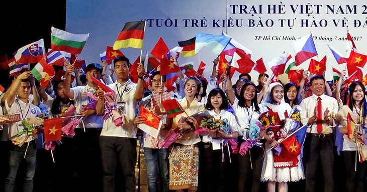 Trại hè Việt Nam 2018 với chủ đề 15 năm - Nối vòng tay lớn - ảnh 1