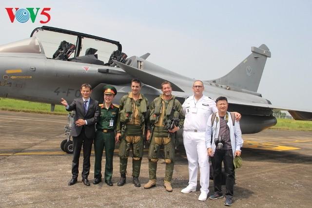 Đội hình bay của Không quân Pháp thăm Việt Nam - ảnh 2