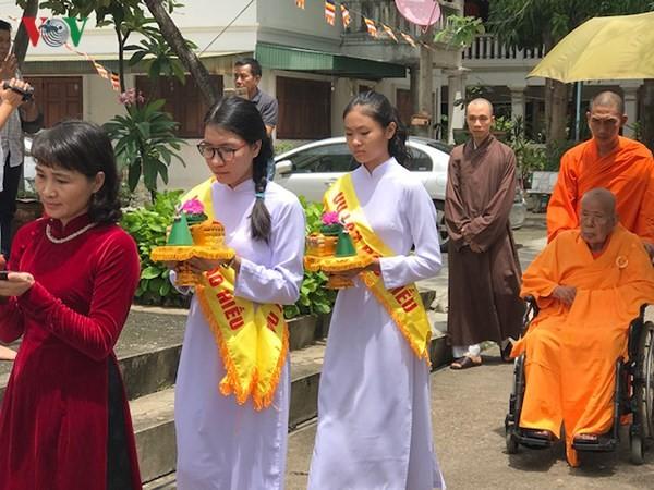 Xúc động lễ Vu Lan báo hiếu của cộng đồng người Việt tại Thái Lan - ảnh 2