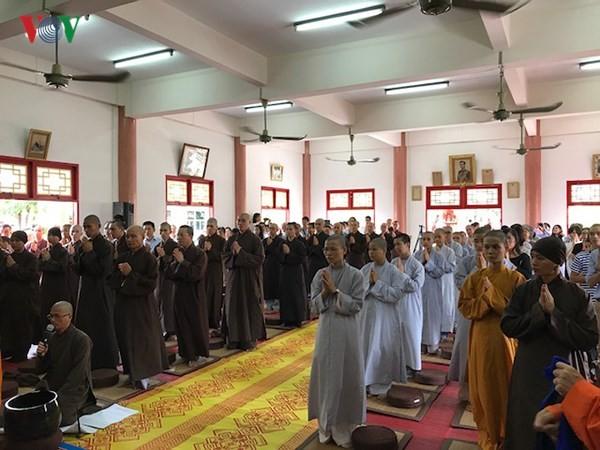 Xúc động lễ Vu Lan báo hiếu của cộng đồng người Việt tại Thái Lan - ảnh 6