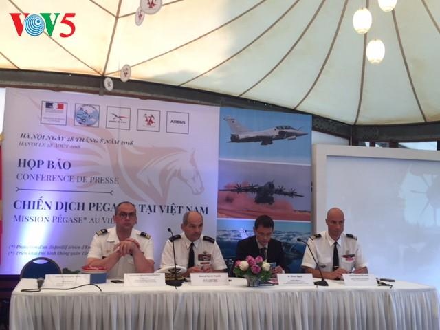 Đội hình bay của Không quân Pháp thăm Việt Nam - ảnh 1